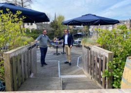 Wethouder Jeroen Willem Klomps opende eerste terras van Maarssen